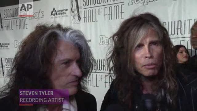 News video: Steven Tyler, Joe Perry on Award, Tour, 'Idol'